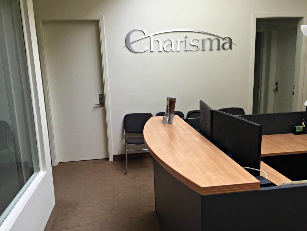 nos bureaux les immeubles charisma inc real estate agency. Black Bedroom Furniture Sets. Home Design Ideas